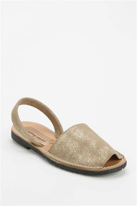 avarca sandals jeffrey cbell ibiza metallic avarca sandal in gold lyst