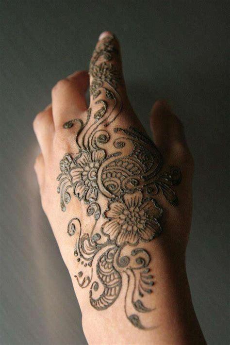 henna design for back of hand cool mehndi designs on back hand