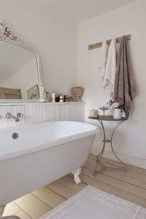 bathroom shabby chic ideas 28 lovely and inspiring shabby chic bathroom d 233 cor ideas digsdigs