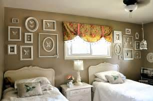 Bedroom Wall Picture Frames Bedroom Empty Wall Bedroom Furniture High Resolution