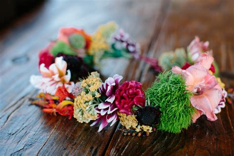 You Ll Love This Easy And Stylish Diy Flower Crown
