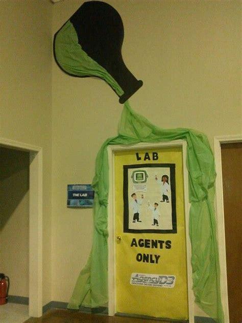 med lab christmas door best 25 science classroom decorations ideas on