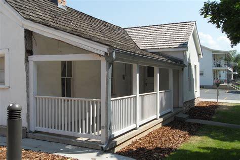 Building A Small Porch file building 655 at fort douglas utah front porch 25