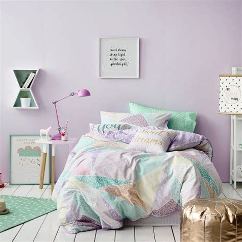 lilac and purple bedroom best 25 lilac room ideas on pinterest lilac bedroom