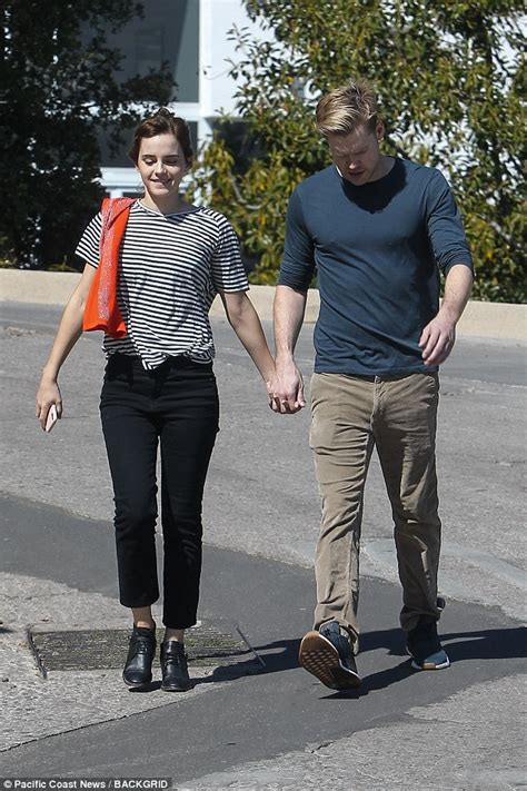 emma watson brown university gpa emma watson holds hands with glee s chord overstreet