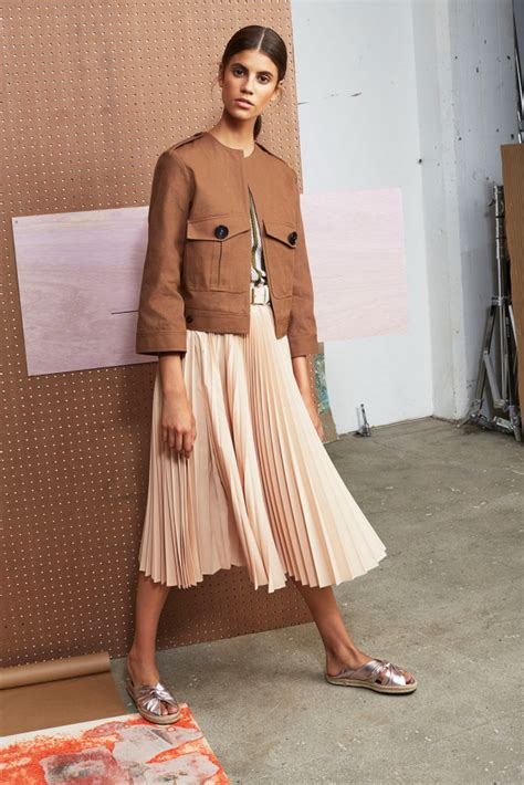 pleated skirt trend summer 2018 wardrobelooks