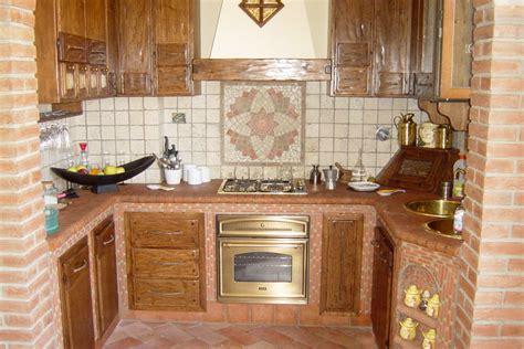 Cucine In Muratura Piccole by Piccole Cucine In Muratura Cucina In Noce Grezza In