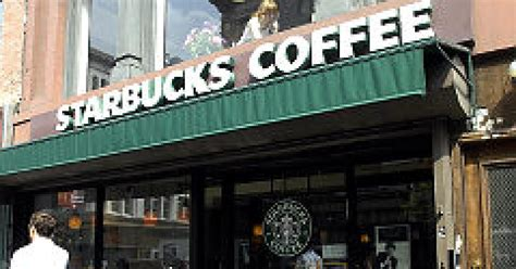 Fave Starbucks Store Closes by Starbucks Closing 600 Stores In The U S Ny Daily News