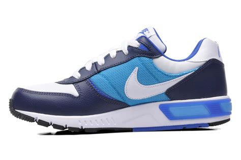 Nike Nightgazer nike nike nightgazer gs trainers in blue at sarenza co uk 219325