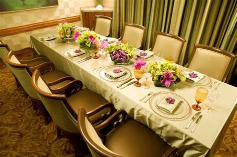 Ultimate Vegas Wedding Venue Guide: Restaurants for Small