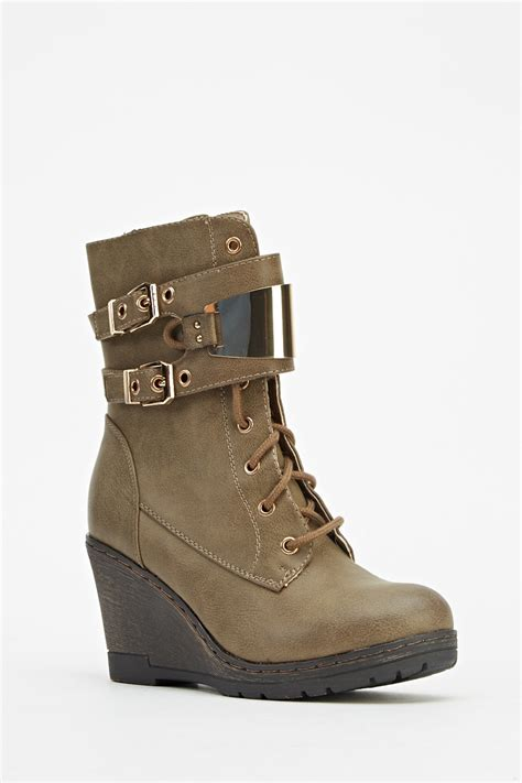 wedge buckle boots khaki just 163 5
