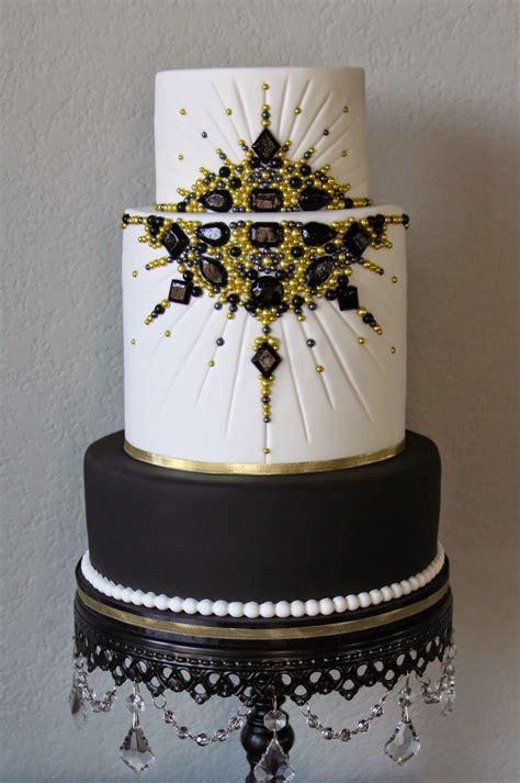 black  gold jeweled  hollywood cake