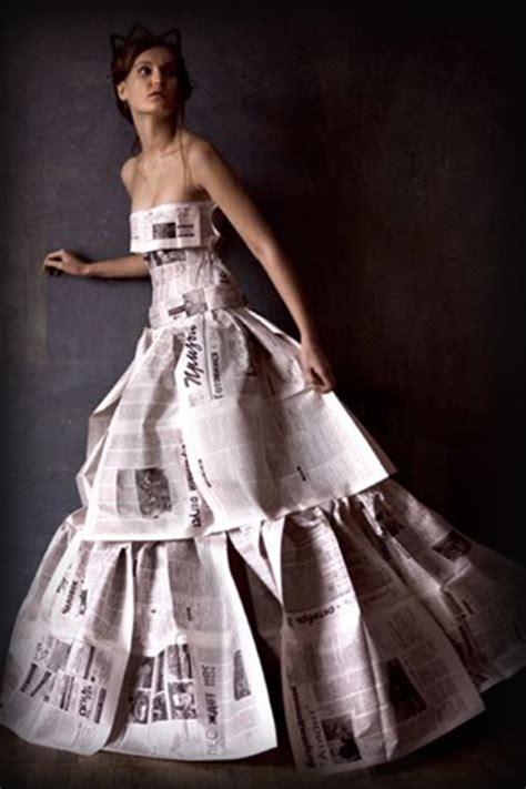 vestido manualidades de papel periodico 20 espectaculares vestidos hechos con libros