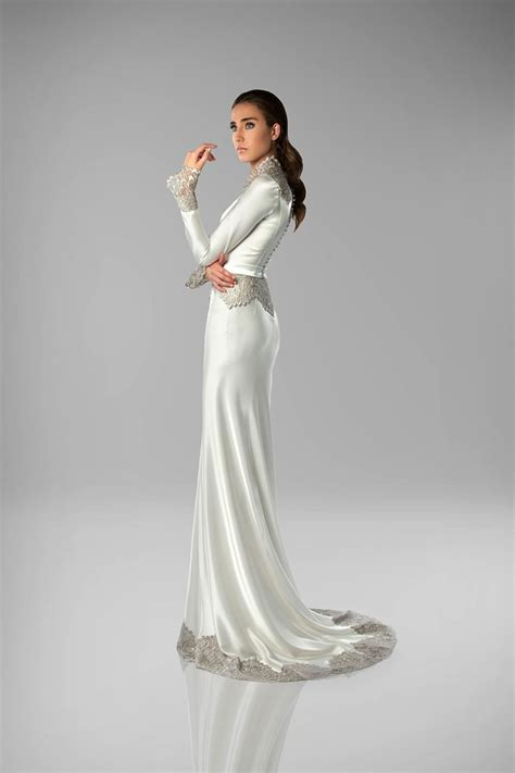 Wedding Deko by Deco Wedding Dress Zapardiez Deco Weddings