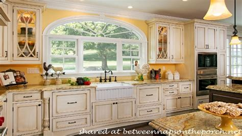 paint colors for country kitchen kitchen cabinets cottage style country kitchen