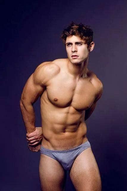 blogger hombres desnudos 2016 misterk mr real universe 2015