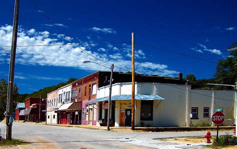 smallest city in us small towns in united states travelquaz com