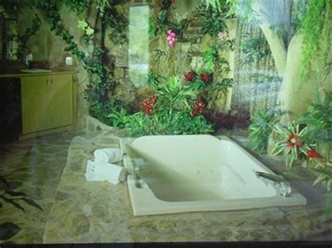 jungle bathroom jungle bathroom whoah jungle bathroom safari bathroom