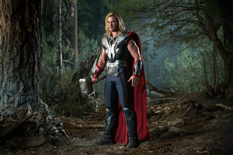thor film up tom hiddleston the avengers interview collider