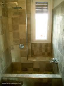 bagno vasca e doccia bagno con doccia in muratura divani colorati moderni per