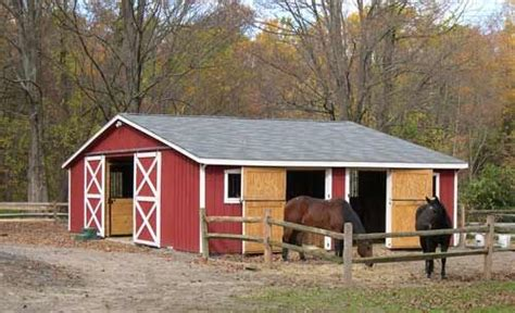 loafing roof on hill 4 stall center isle barn plans barn and shed custom