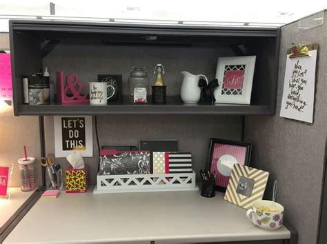 cubicle decoration 25 best ideas about cubicle makeover on pinterest