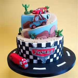 cars kuchen disney cars cake crumbs doilies