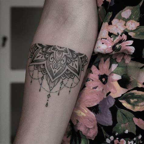 tattoo mandala pontilhismo 25 melhores ideias sobre tatuagem pontilhismo no