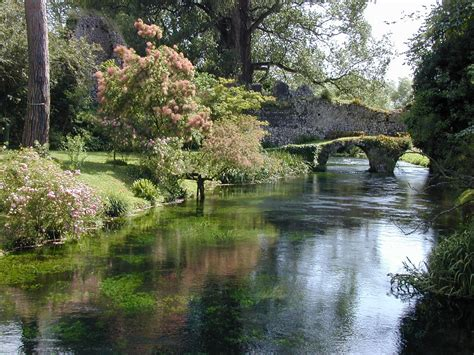 giardini di ninfa immagini giardini di ninfa foto immagini paesaggi fiori natura