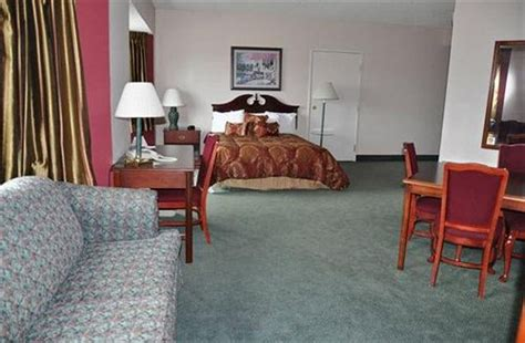 owosso room book the comstock inn and conference center owosso hotel deals