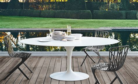 designer patio furniture saarinen outdoor oval dining table hivemodern com