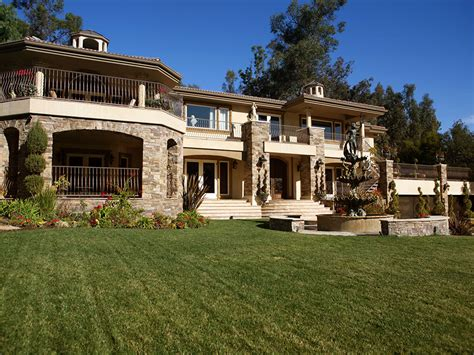 Kardashians House house of the day live in a home near clooney