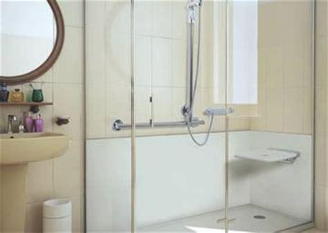 doccia per disabili prezzi box doccia disabili cabine doccia per anziani bagnoidea