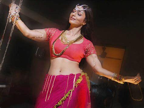 tabu hot saree stills actress tabu spicy saree images gallery no water mark