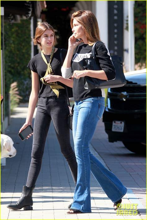 kaia gerber next supermodel cindy crawford matches with daughter kaia gerber photo