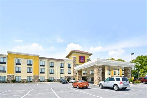 comfort inn suites lancaster pa comfort suites amish country lancaster pa hotel