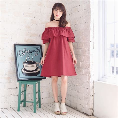 Pakaian Atasan Setelan Wanita Shirt Parka Maroon Muslim style setter indonesia sabrina dress maroon model