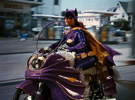 yvonne craig who played batgirl dies at 78 ktla yvonne craig who played batgirl in the 1960s tv hit