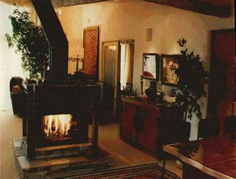 Four Sided Fireplace by Four Sided Gas Fireplace In Living Room