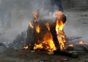 Bruxas suspeitas queimados vivos pelos crist 227 os no qu 234 nia na