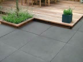 terrasse auf betonplatte greyline betonplatte terrassenplatten pflastersteine