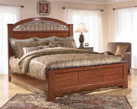 fairbrooks estate poster bedroom set fairbrooks estate king poster bed dallas tx bedroom bed