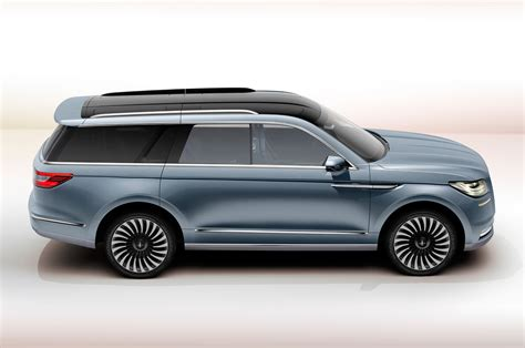 lincoln navagator 2018 lincoln navigator previewed with dramatic new york