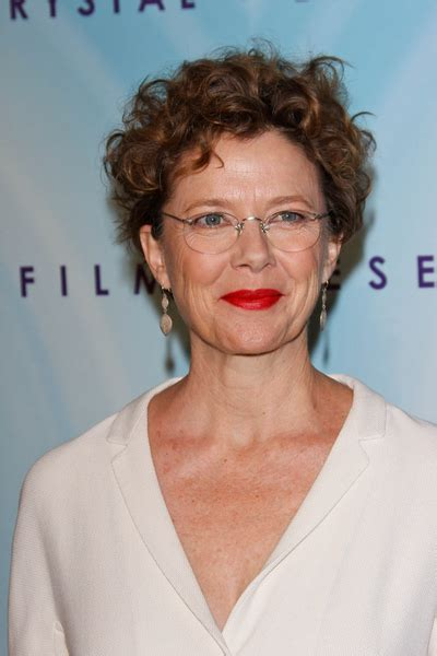 behind the ear hairstyles for short wavy hair annette bening gallery pictures photos pics hot