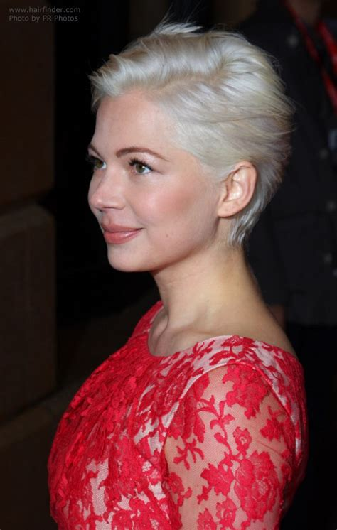michelle williams easy     short hairstyle