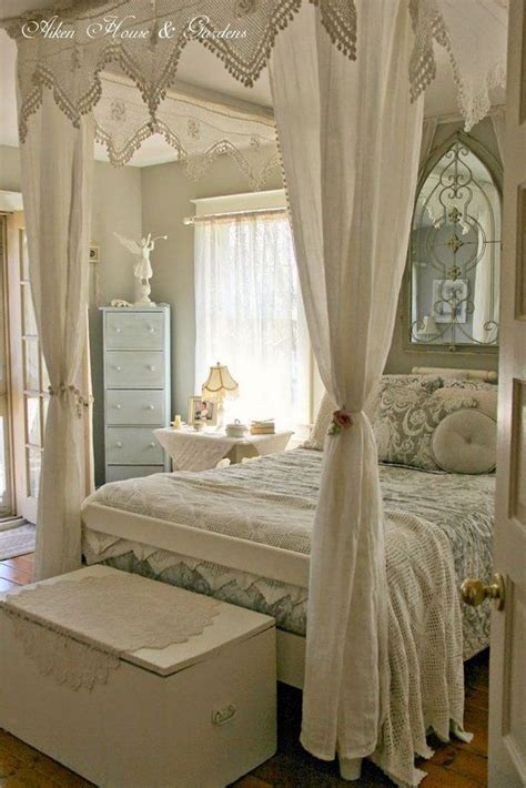 How To Decorate A Shabby Chic Bedroom by 78 Best Ideas About Shabby Chic Bedrooms On