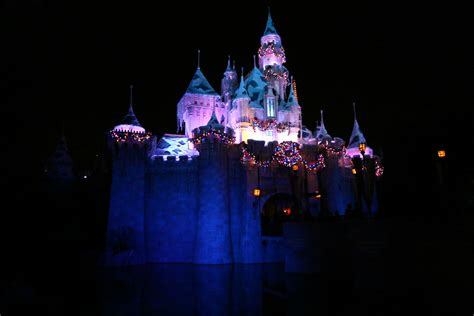 top 28 when does disneyland take their christmas