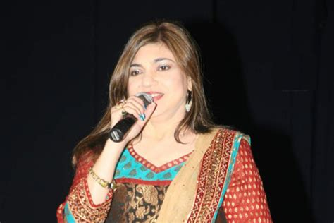 Alka Yagnik Wedding Song List by Milind Soman Height Weight Biceps Size Measurements