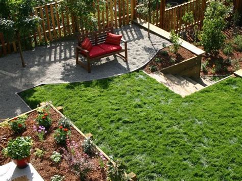 small sloped backyard 17 best images about sloped back yard ideas on pinterest