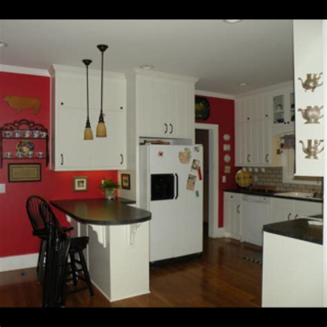 White Black And Red Kitchen - red wall and white cabinets kitchens pinterest white cabinets red kitchen and walls
